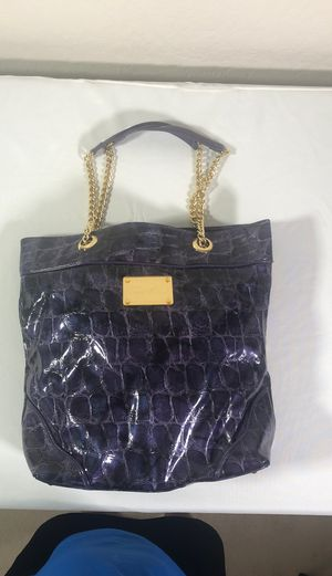 Purple with Gold chain handle Bag for Sale in Chandler, AZ