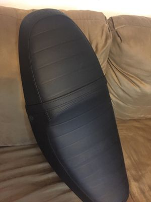 Triumph Thuxton 2012 Motorcycle Seat for Sale in De Leon Springs, FL
