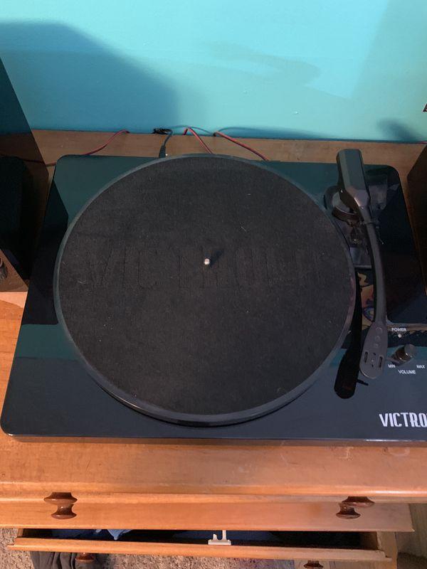 Victrola 3 Speed Bluetooth Turntable With Speakers