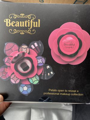 Brand New Beautiful Professional Makeup for Sale in Alexandria, VA