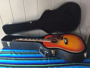 Hummingbird Pro Epiphone Guitar w/stand, Gator case & beginner books for Sale in San Angelo, TX