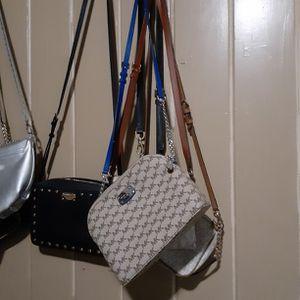 Mk Crossbody purse Like New for Sale in Fresno, CA