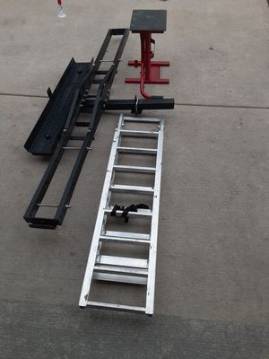 Motocross hitch Carrier 500 pounds steel .. for Sale in Chicago, IL