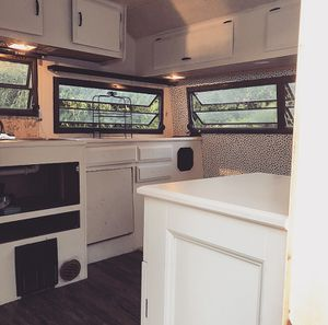 18 foot Remodeled camper $2000 for Sale in Enfield, CT