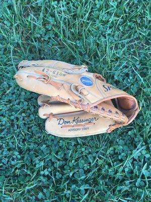 Kids left hand baseball glove for Sale in Columbus, OH