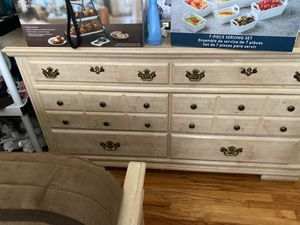 Queen Bed set with headboard/baseboard, two night stands. Dresser with mirror for Sale in Los Angeles, CA