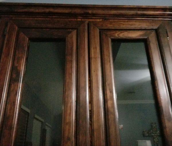 Gun cabinet Solid wood very nice