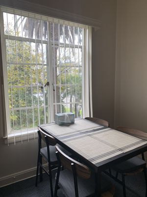 Dining set table + 4 chairs for Sale in Los Angeles, CA