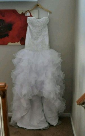 Stunning Wedding gown for Sale in Durham, NC