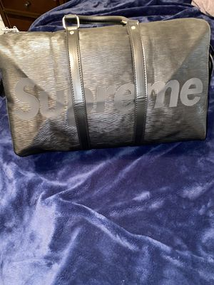 Louis Vuitton x Supreme Keepall Duffle Bag 45 for Sale in Las Vegas, NV