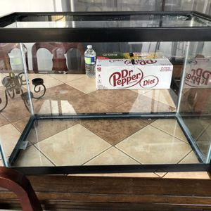 20 Gallon Tank for Sale in Los Angeles, CA