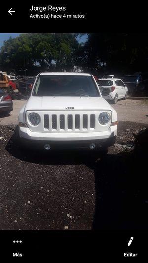 Jeep patriot 2015 4x4 for Sale in Lexington, KY