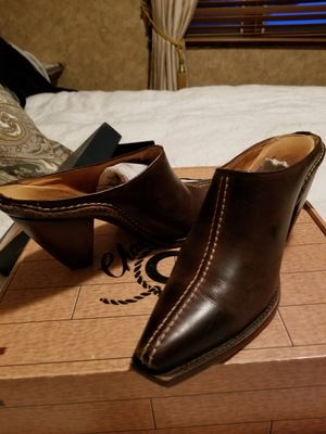 LUCCHESE BROWN LEATHER SLIDE/W HIGH HEEL for Sale in Breezy Point, MN