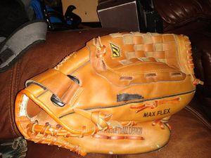 """Mizuno MPI 1320 Softball Glove RHT 13"""" for Sale in North Highlands, CA"""