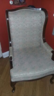 Antique chair for Sale in Chicago, IL