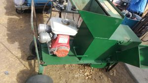 Wood chipper shredder honda for Sale in San Bernardino, CA