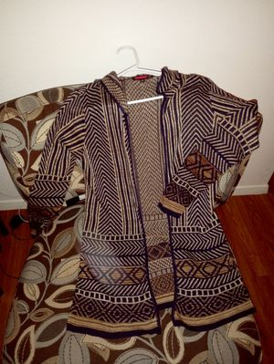 Sweater for Sale in San Angelo, TX