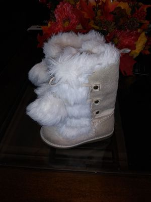 Toddler girl Faux fur boots. for Sale in Tucson, AZ