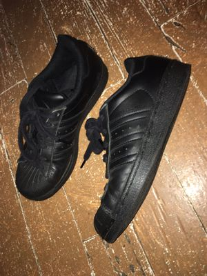 Adidas original all black for Sale in West Palm Beach, FL