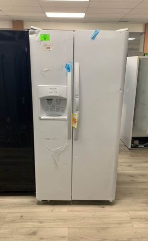 BRAND NEW FRIGIDAIRE LFSS2312TP REFRIGERATOR 3 for Sale in Houston, TX