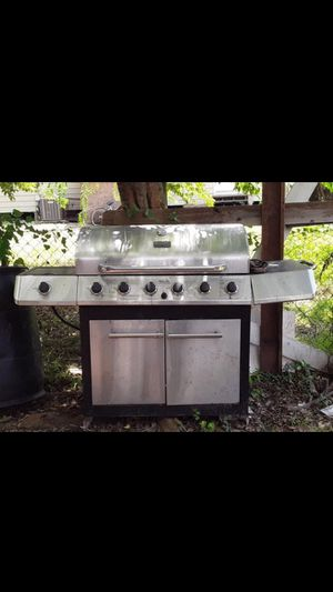 Traditional 6 Burner Gas Grill Char-Broil/Asador for Sale in Houston, TX