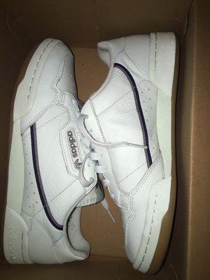 Adidas continental size 8.5 for Sale in New York, NY