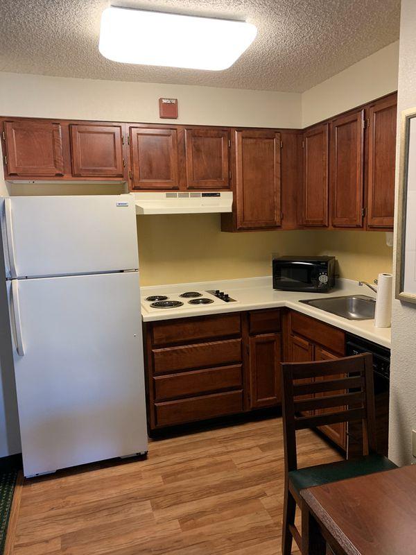 7 Piece Kitchen Set