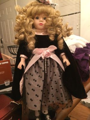 Glass collectible dolls for Sale in Acworth, GA