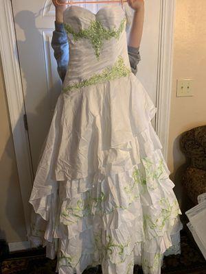 Brand new Quinceañera dress size 8 for Sale in Tacoma, WA