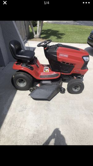 2017 Craftsman 46 inch riding tractor for Sale in Dallas, TX