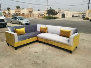 NEW 7X9FT VELVET GOLD FABRIC COMBO SECTIONAL COUCHES for Sale in San Clemente, CA