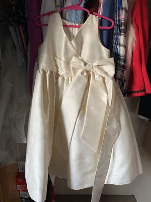 Flower Girl or Junior Bridesmaid Dress - Size 4 for Sale in Ontario, CA
