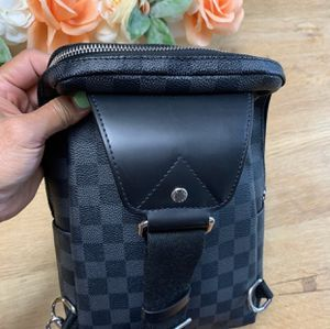 Louis Vuitton Avenue Sling Bag for Sale in Beverly Hills, CA