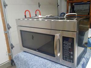 Whirlpool stainless steel microwave for Sale in Lynnwood, WA