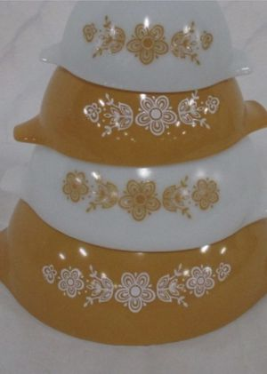 1970's Vintage Pyrex Cinderella Butterfly Gold Nesting mixing bowl set for Sale in Thomson, GA