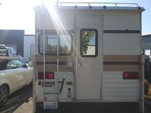 1987 lance camper 10.6 for Sale in Snohomish, WA