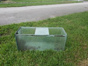 Huge fish tank for $10....you must pick it up and bring help for Sale in Miramar, FL
