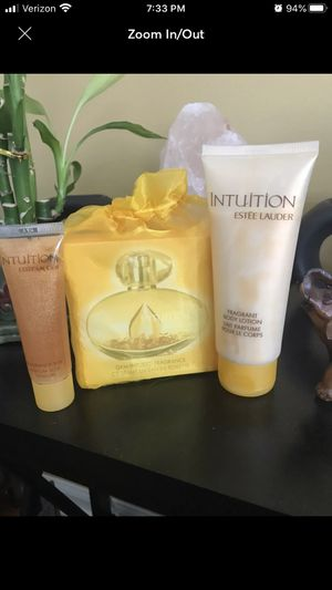 Estee Lauder Intuition Fragrance Set for Sale in Pomona, NY