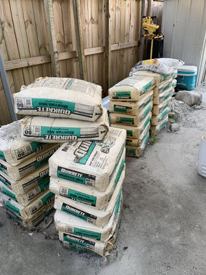 Free bags of concrete quikrete for Sale in Hollywood, FL