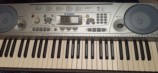 Yamaha Keyboard for Sale in Cape Coral,  FL