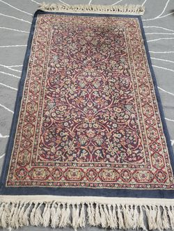 2x3' Area Rug With Tassels for Sale in Gaithersburg,  MD