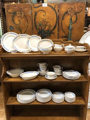 Vintage dishes Johnson brothers old English Chyna 75 pieces including some serving pieces for Sale in Lemon Grove, CA
