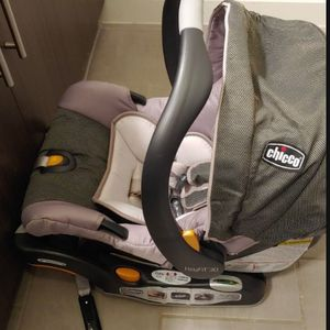 Chicco Keyfit Infant Car Seat and Base with Car Seat- Papyrus for Sale in Round Rock, TX