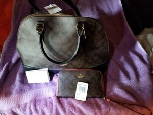 coach bag and small hand bag for Sale in Jurupa Valley, CA