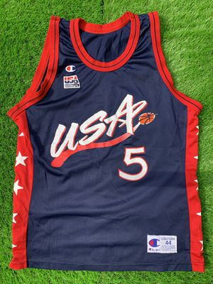 Grant hill USA jersey size 44 (Large) for Sale in Woodbridge, VA