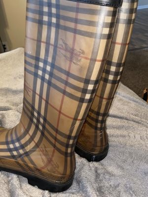 Authentic Burberry rain boots. Size 7 for Sale in Jacksonville, FL