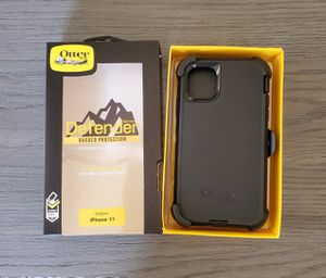 iPhone 11 Otterbox Defender Case with belt clip holster black for Sale in Santa Clarita, CA
