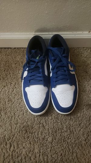 Nike Air Low Casual Men's Size 9 Basket Ball Shoes for Sale in Leesville, LA