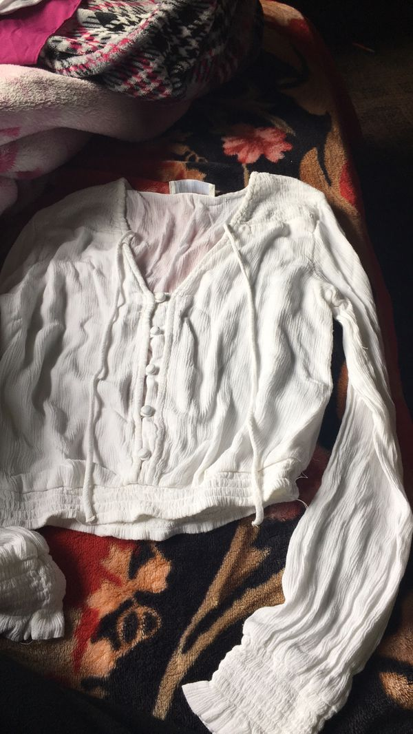 White hollister crop top blouse with buttons
