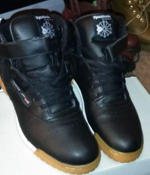 Reebok classic men's for Sale in Penn Hills, PA